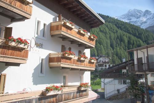 Alpin Garni die kleine Post - Hotel - Solda