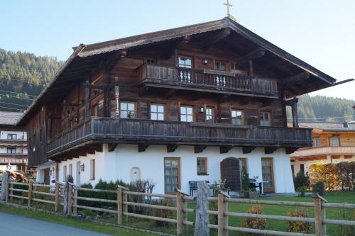 Landhaus Ammer - Hotel - Oberndorf in Tirol