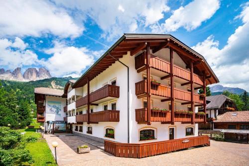 Garni Aritz - Hotel - Campitello di Fassa