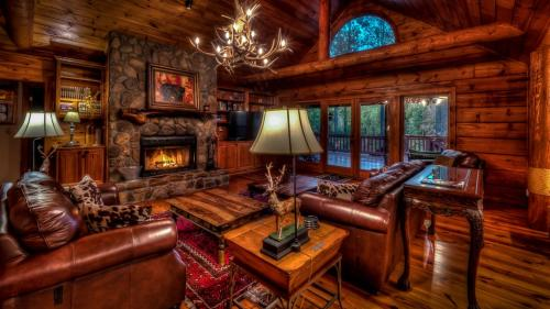 Serenity Lodge and Stable by Escape to Blue Ridge - Hotel - Ellijay