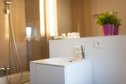 __{offers.Best_flights}__ Hotel La Passerelle