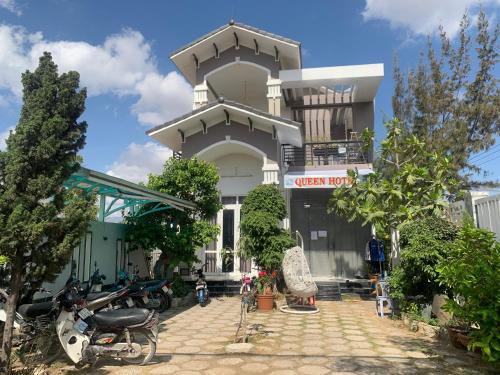 QUEEN HOTEL (CHO NGHI QUEEN), Ninh Phước