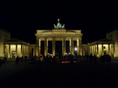 . Apartment near Brandenburg Gate