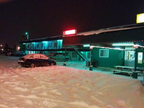 Shamrock Motel - Valleyview, AB T0H 3N0