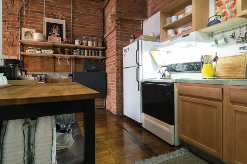 Amazing Loft in Detroit's Hippest Neighborhood - Apartment - Detroit