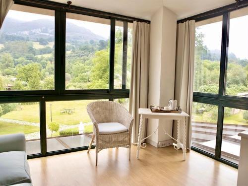 Suite Familiar con vistas al jardín Palacio Torre de Ruesga 1
