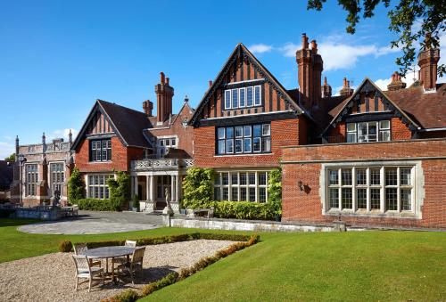 Macdonald Elmers Court Resort, Lymington