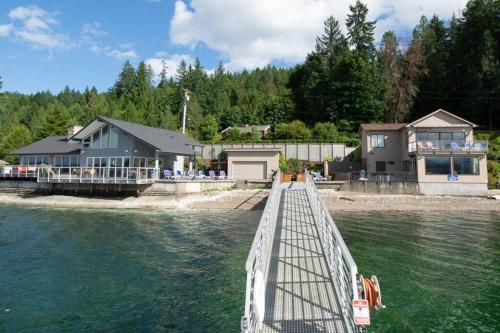 Hood Canal Resort in Union, WA - Chalet - Union