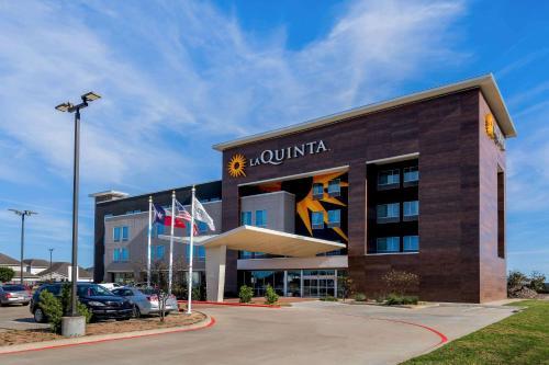 . La Quinta by Wyndham Houston Cypress