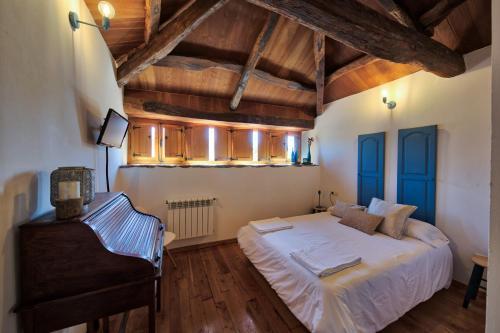 Habitación Superior - 1 cama grande - Uso individual Casa Rural Piñeiro, de Vila Sen Vento 2