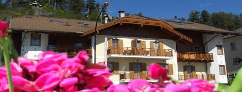 Garni Manuela - Hotel - Cavalese