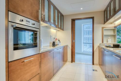 Exquisite Two Bedroom Apartment in South Ridge 4 by Deluxe Holiday Homes - image 4