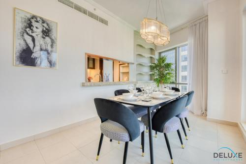 Exquisite Two Bedroom Apartment in South Ridge 4 by Deluxe Holiday Homes - image 7