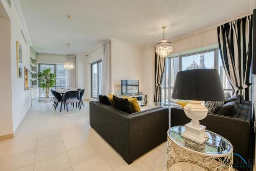 Exquisite Two Bedroom Apartment in South Ridge 4 by Deluxe Holiday Homes - image 11