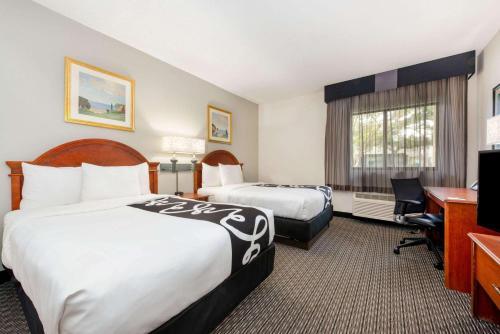 La Quinta Inn by Wyndham Ft. Lauderdale Tamarac East - image 3