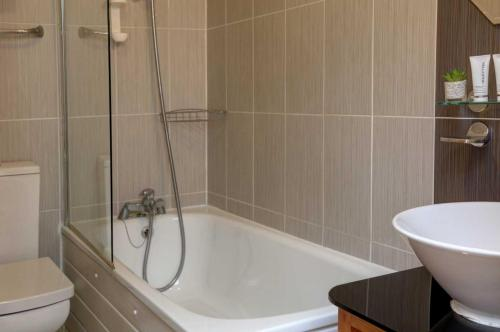 Best Western London Ilford Hotel - Photo 3 of 62