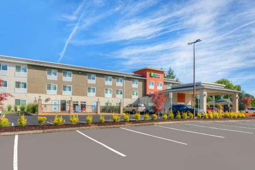 . Holiday Inn Express Newberg - Wine Country, an IHG hotel
