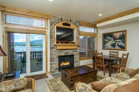 Retreat Apartment 63A - Ski/Lake Village Condominium