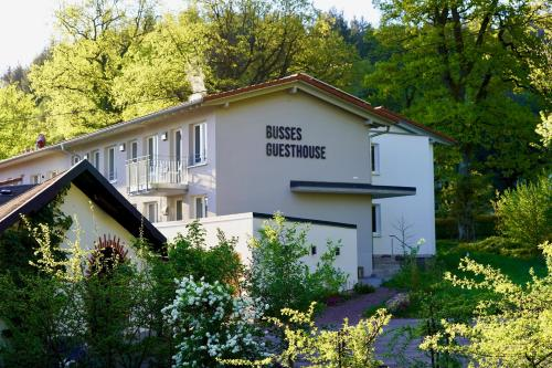 . Busses Guesthouse
