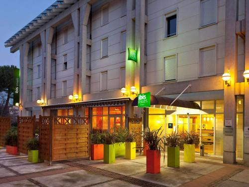 Accommodation in Antibes