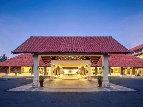 . Mercure Manado Tateli Resort and Convention