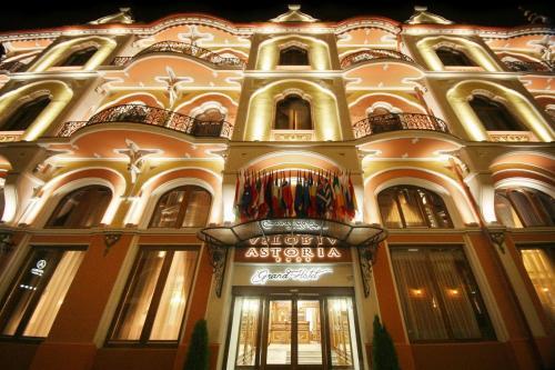 . Astoria Grand Hotel