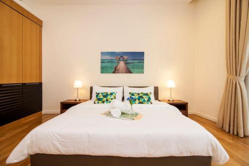 St. Mary's 2-luxury apartment 3 bedrooms, 10 minutes to KLCC & Twin Peak Tower, Kuala Lumpur
