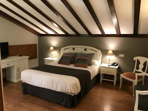 Doppel- oder Zweibettzimmer Hotel Spa San Marcos 1