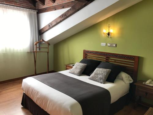 Doppel- oder Zweibettzimmer Hotel Spa San Marcos 4