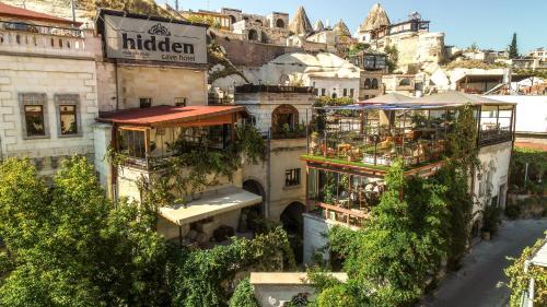. Hidden Cave Hotel