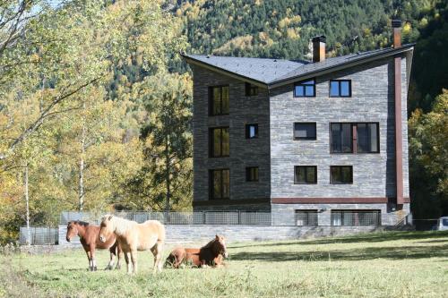 . Apartaments Turístics Prat de Les Mines