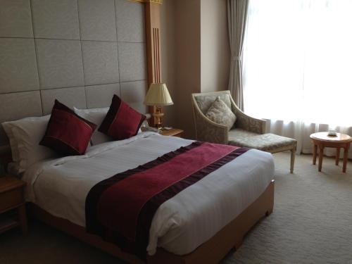 Riverview Hotel on the Bund Специальное предложение - Улучшенный двухместный номер с 1 кроватью