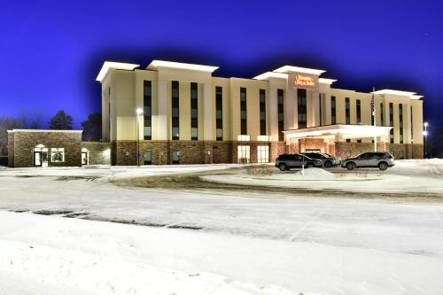 Hampton Inn & Suites Menomonie-UW Stout - Hotel - Menomonie