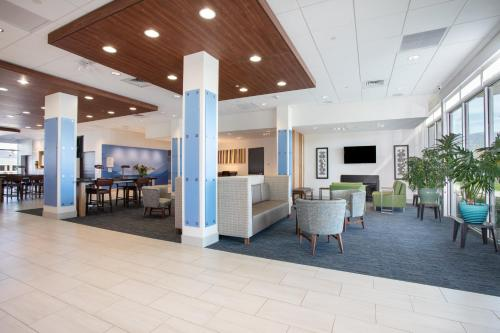 . Holiday Inn Express & Suites - Ely, an IHG Hotel