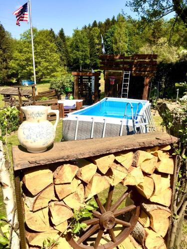 . FRANKES LODGE Apartment mit Garten und Pool