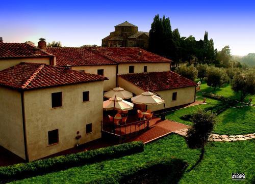 . Sovana Hotel & Resort