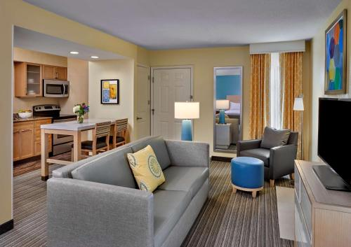 . Sonesta ES Suites Atlanta Perimeter Center East