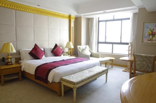 Riverview Hotel on the Bund Двухместный номер Делюкс с 1 кроватью и видом на город