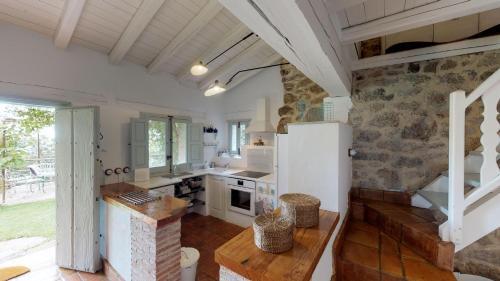 Casa de 2 dormitorios El Vergel de Chilla tiene 3 alojamientos Abejas 1 Abejas 2 y Libélula 47