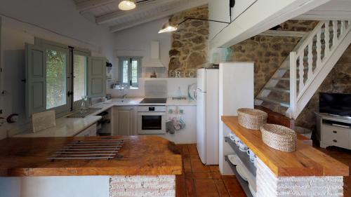 Casa de 2 dormitorios El Vergel de Chilla tiene 3 alojamientos Abejas 1 Abejas 2 y Libélula 49