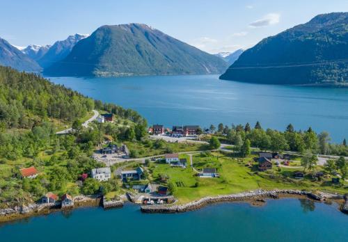 . Dragsvik Fjordhotel
