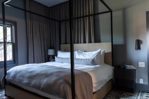 Lora - Hotel - Stillwater