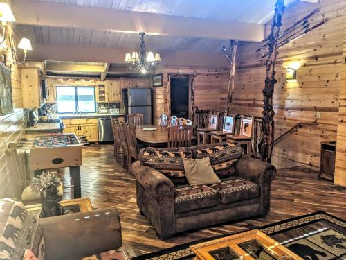 Four-Bedroom Specialty Townhouse Unit #52 by Snow Summit Townhouses - Hotel - Big Bear Lake