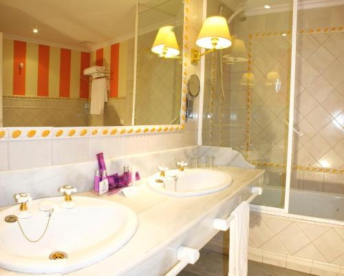 Standard Twin Room Alcázar de la Reina 1