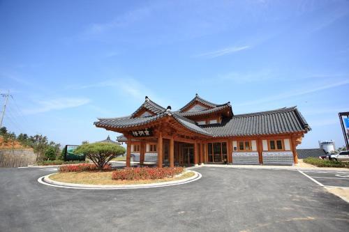 . Korea Traditional Hotel O Dong Jae