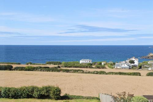 Incredible Sea Views, First Floor Apartment, St Merryn, Cornwall