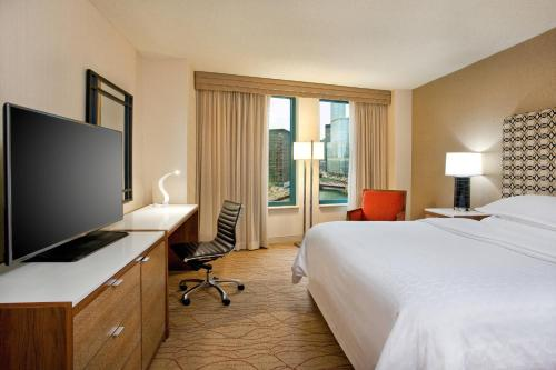 Sheraton Grand Chicago - Chicago, IL IL 60611