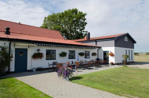 . Österlens Karlsgård