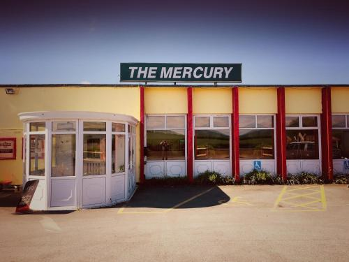 The Mercury, Leigh