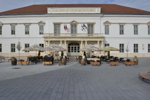 . Hotel Magyar Király